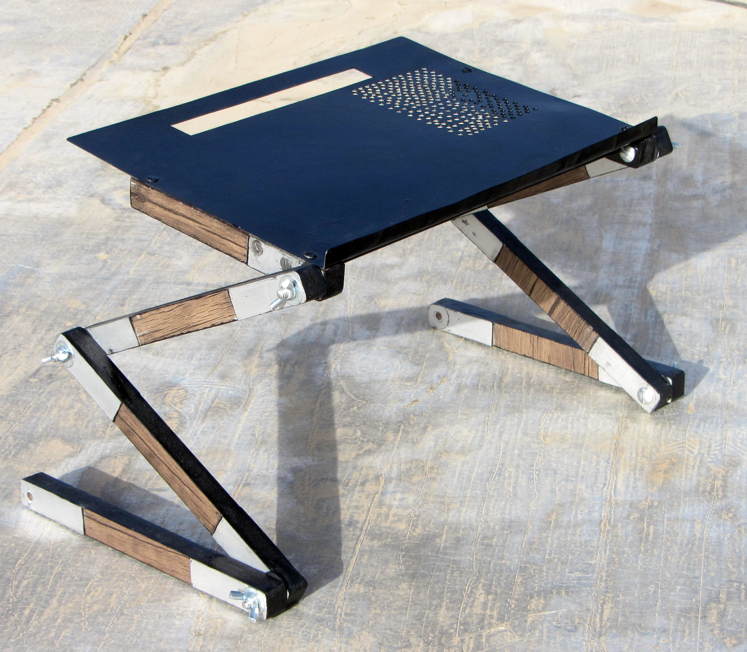 Picture of Ergonomic Table