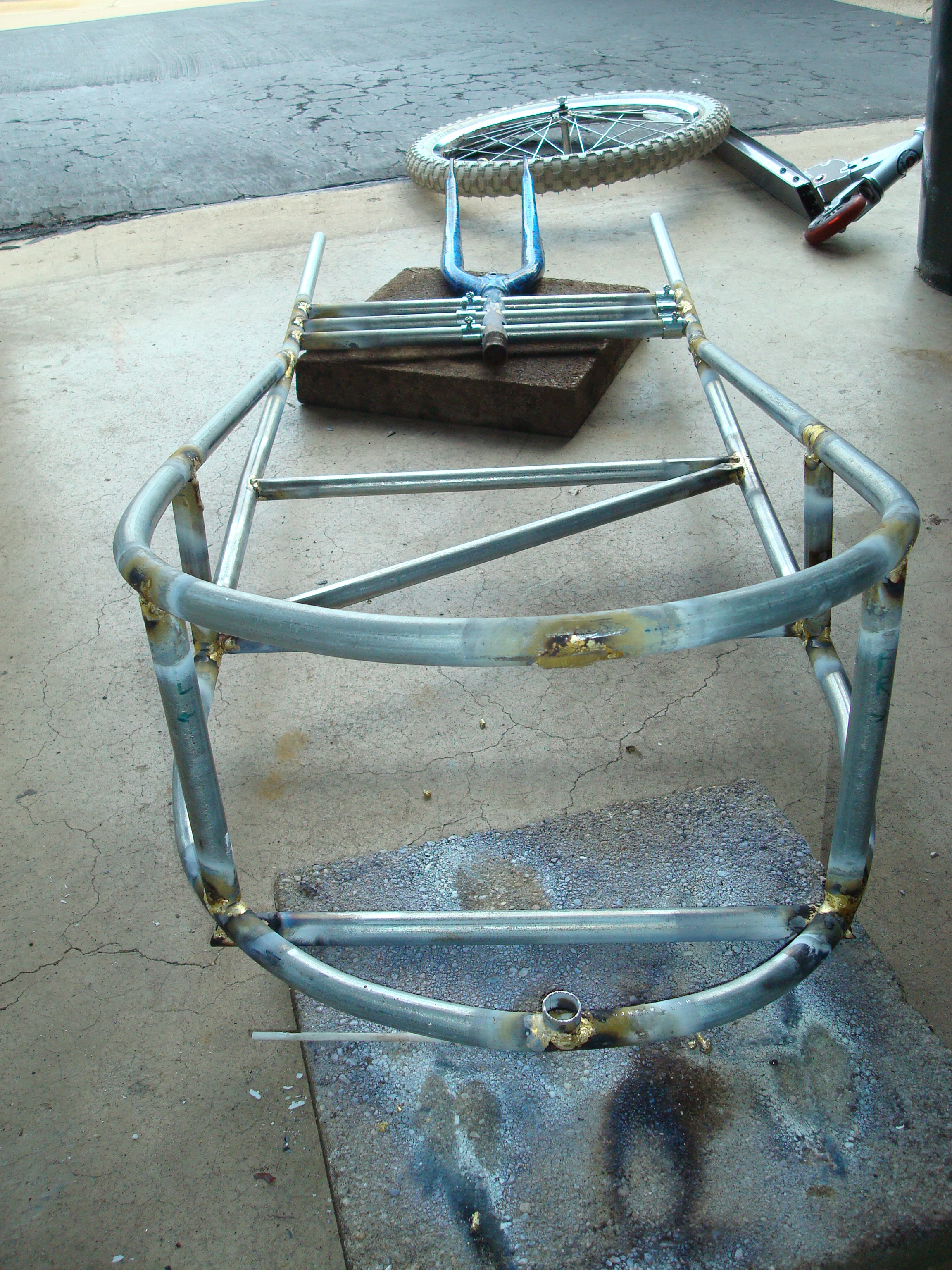 Picture of Attaching the Top and Bottom Frames