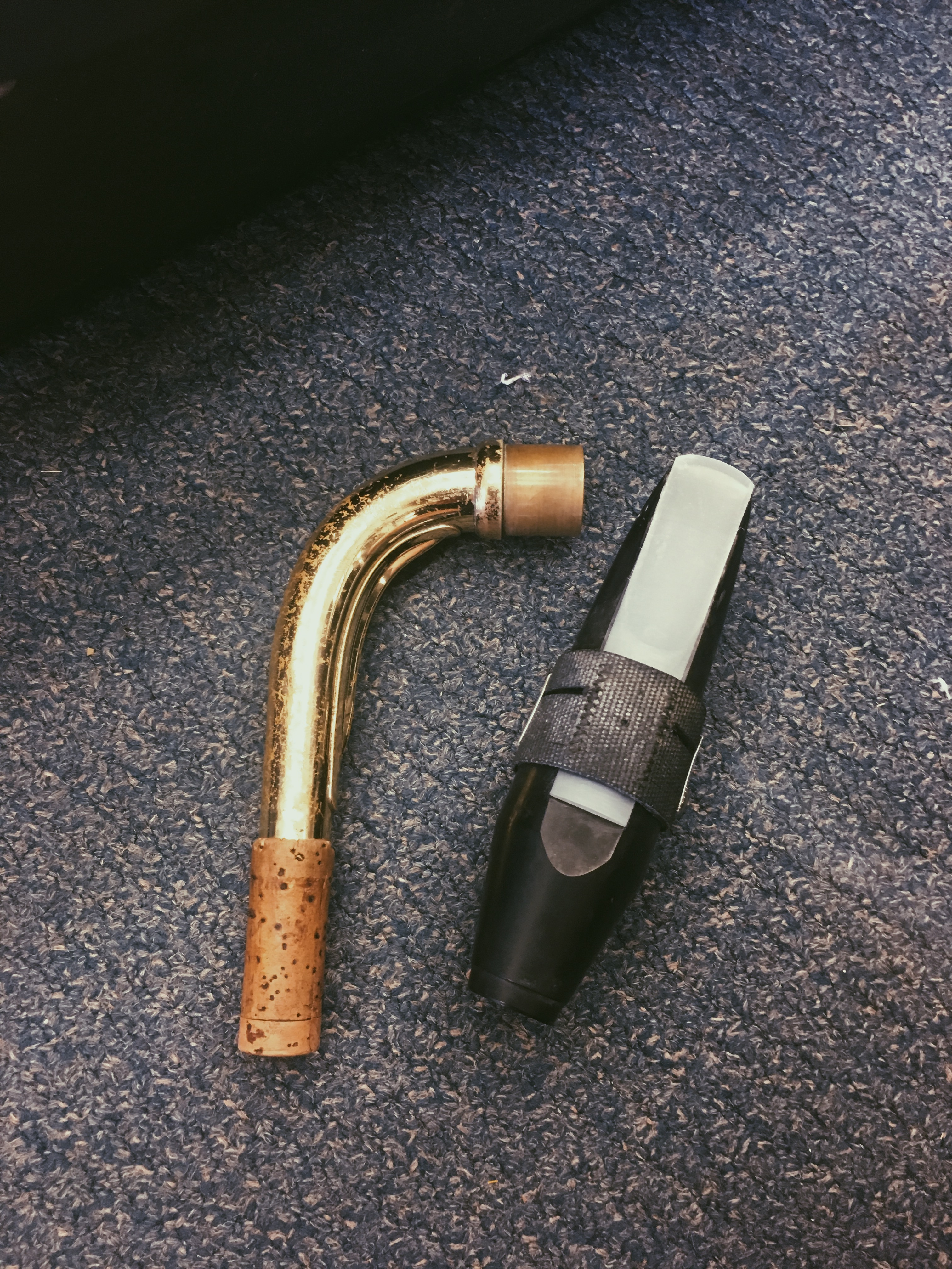 Picture of Connecting the Mouthpiece and Neck
