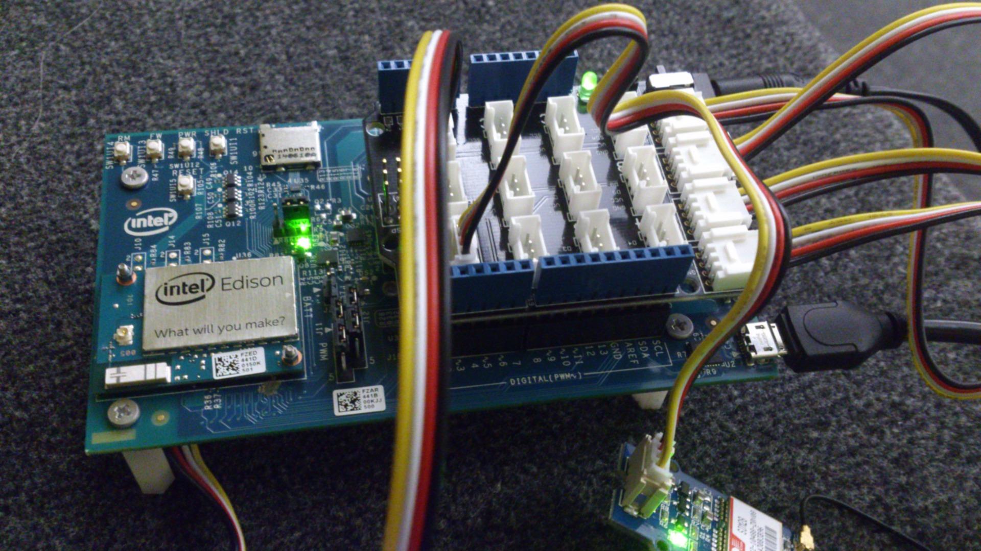 Picture of Intel Edison + Breakout Kit + Base Shield