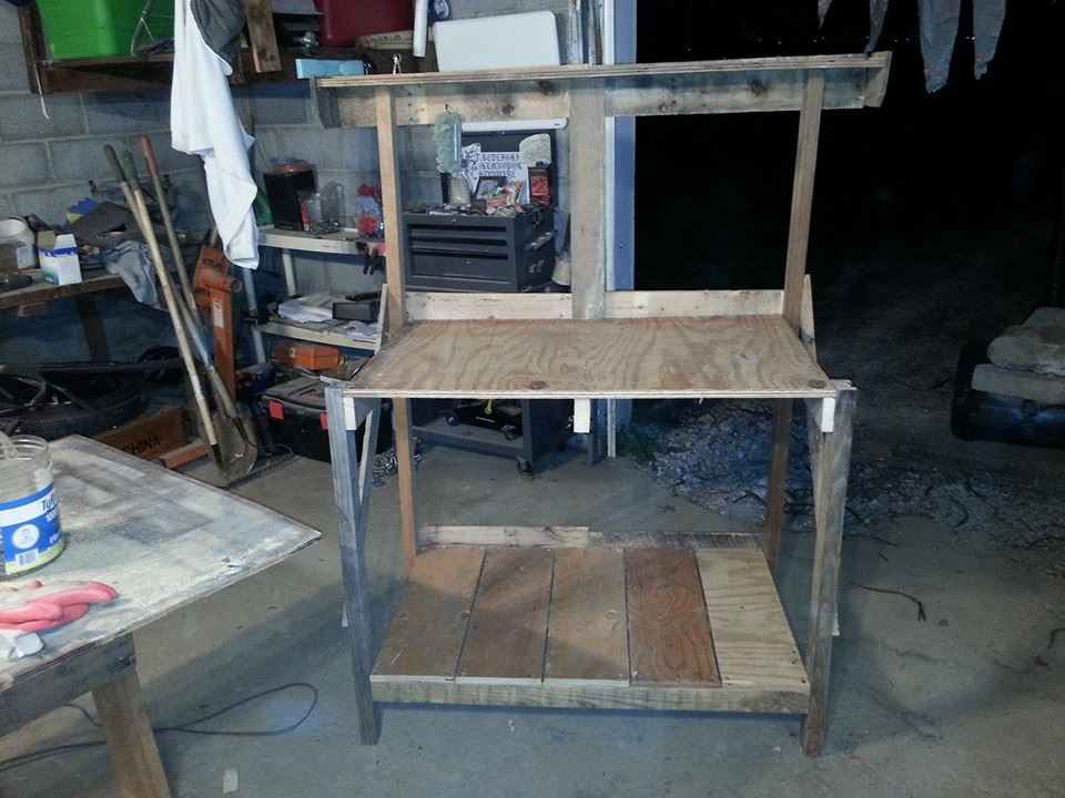 Picture of Gardening Table