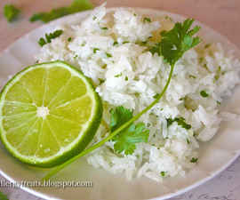 Easy Chipotle Cilantro Lime Rice Copycat