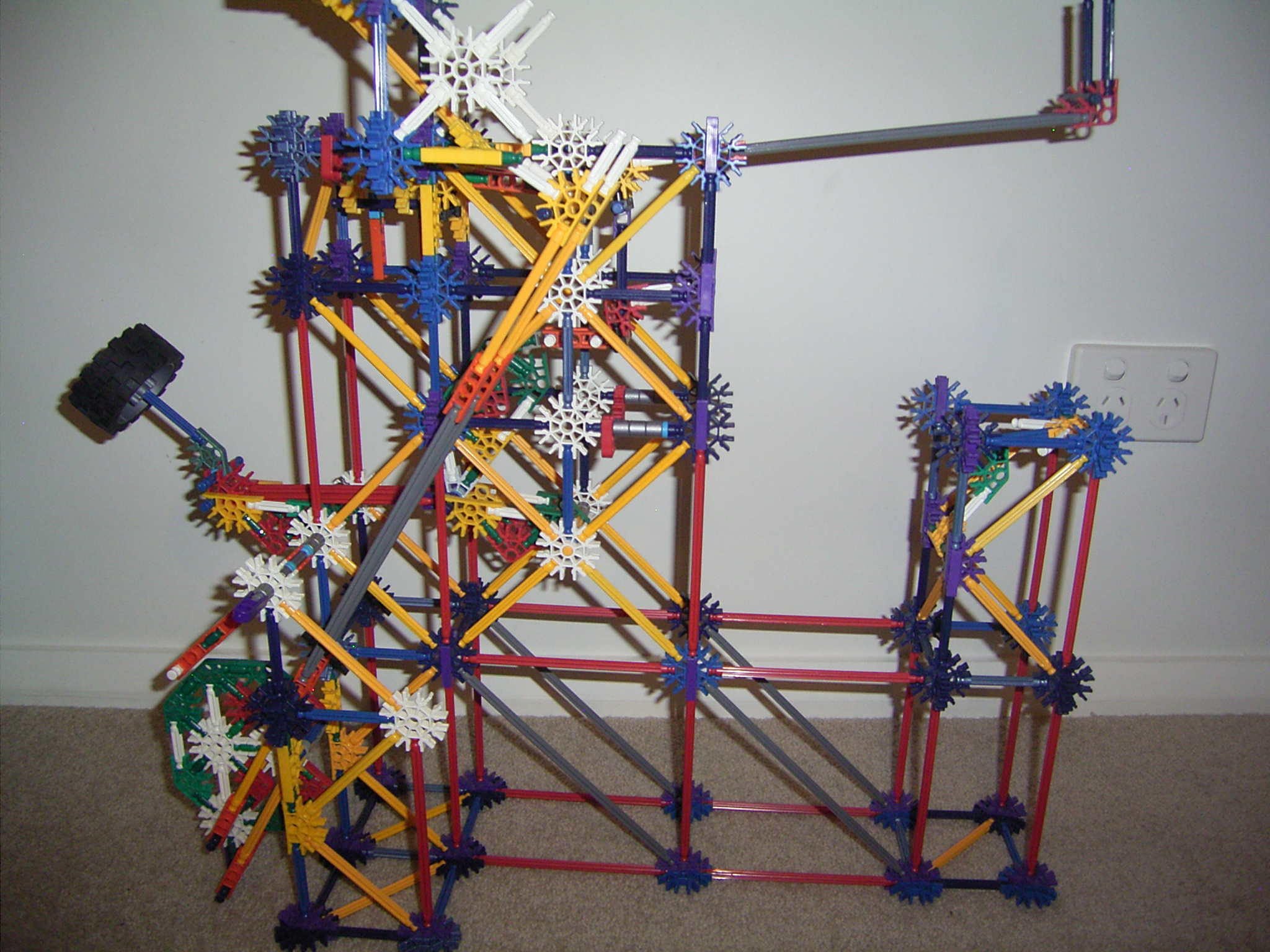 Picture of Knex 'Weighted Kick' Ball Machine Lift/element Hybrid