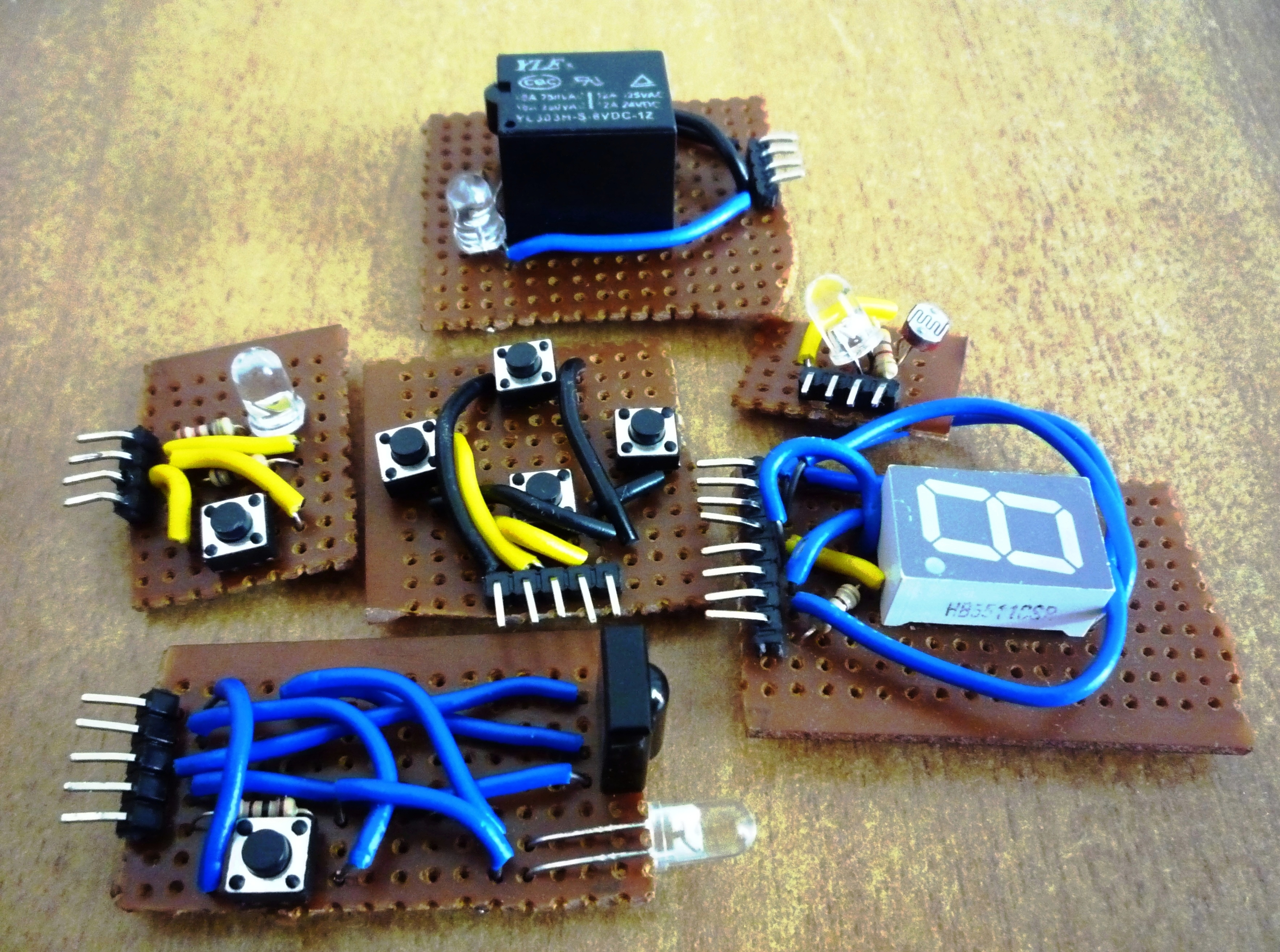 Picture of Arduino Mini Shields Construction