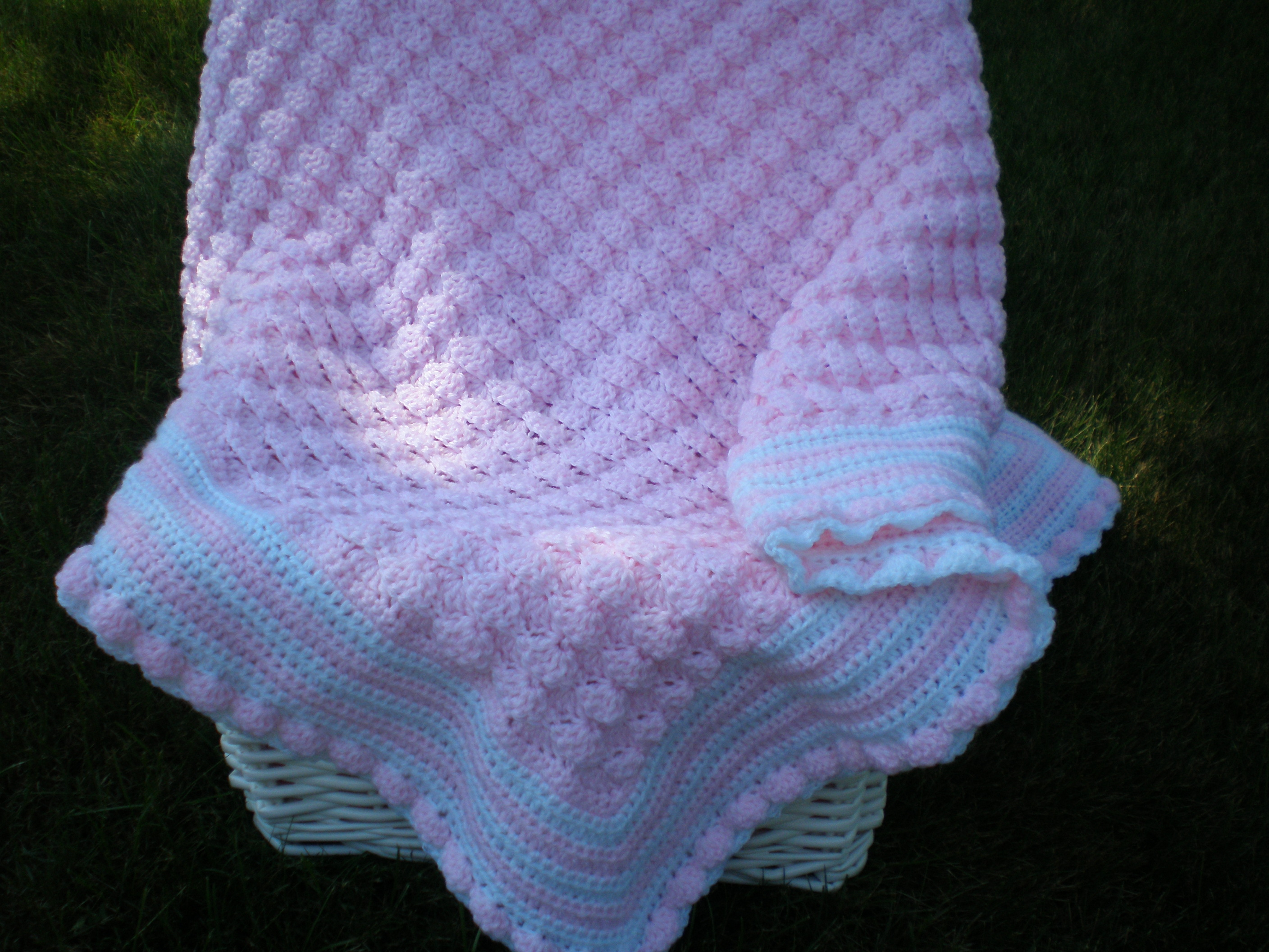 Picture of Lion Brand Instructables Slideshow Shells Layette by Clauria4