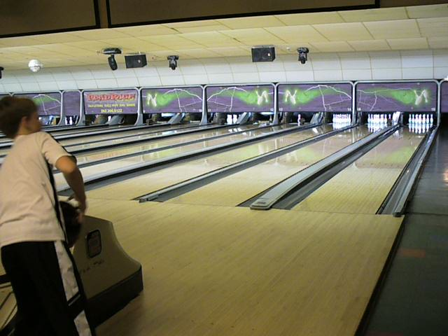 """Picture of Bowling With """"finger Tips"""""""