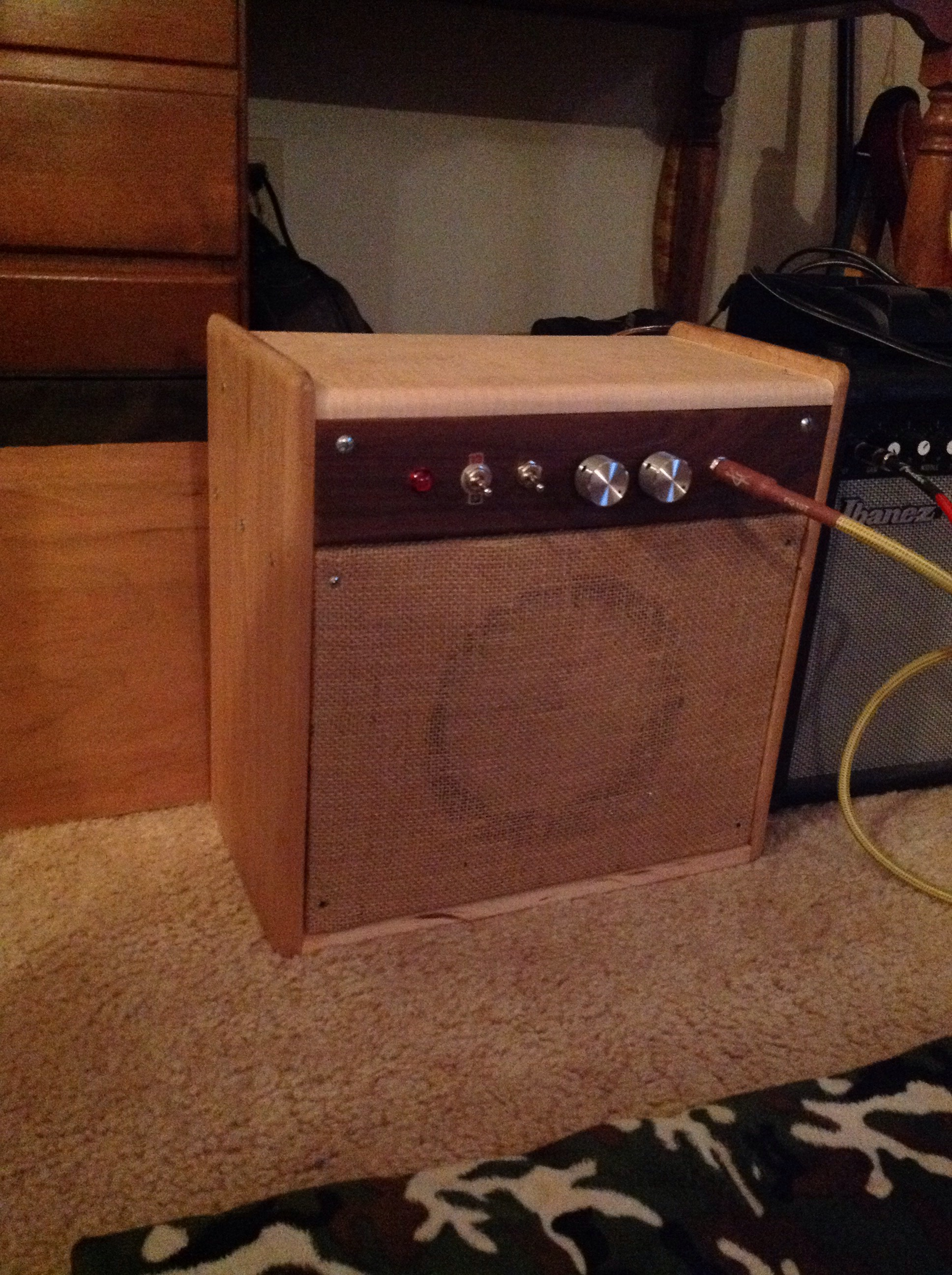 Picture of Guitar Amp