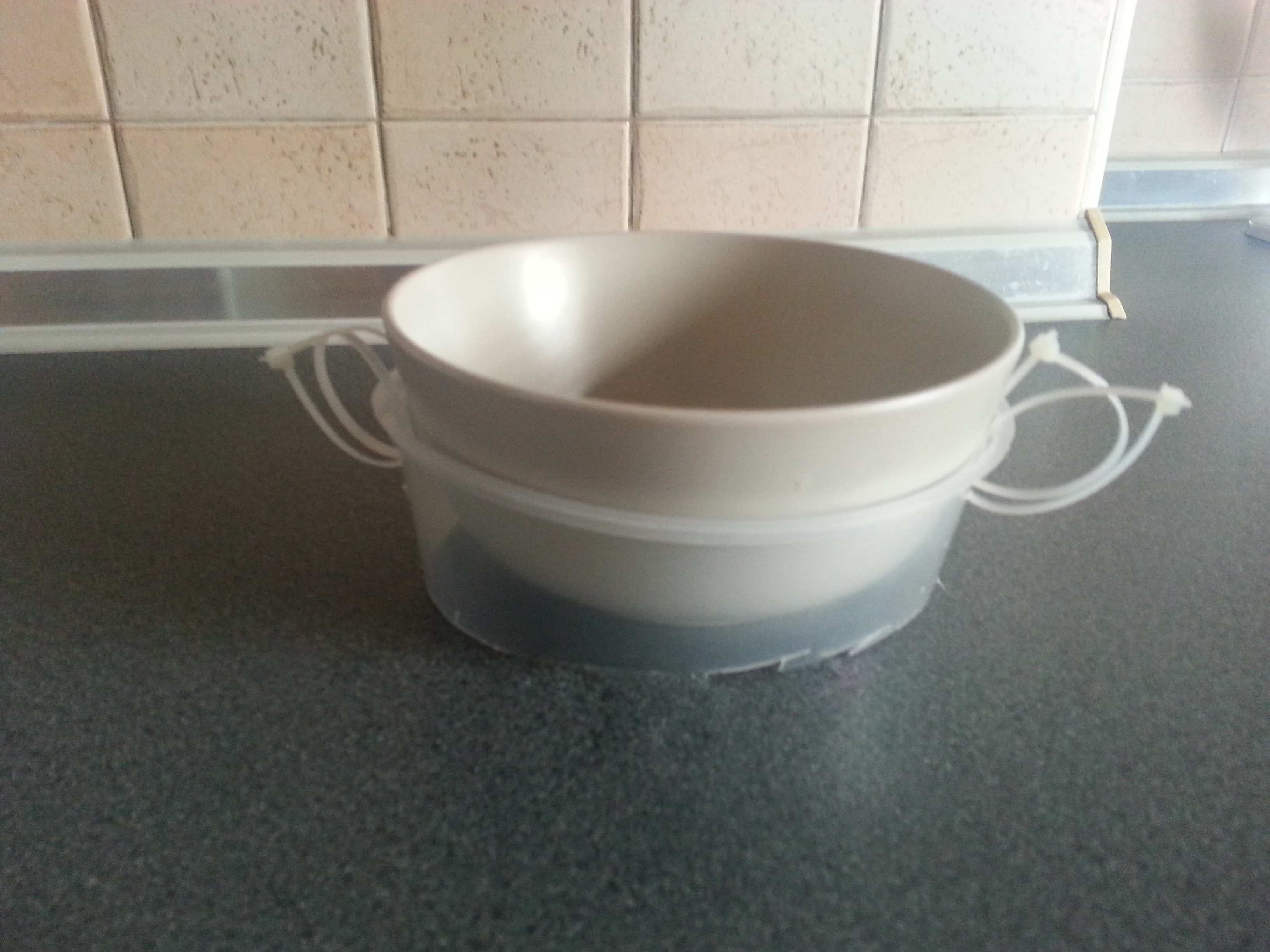 Picture of Simple and Cheap Bowl Holder