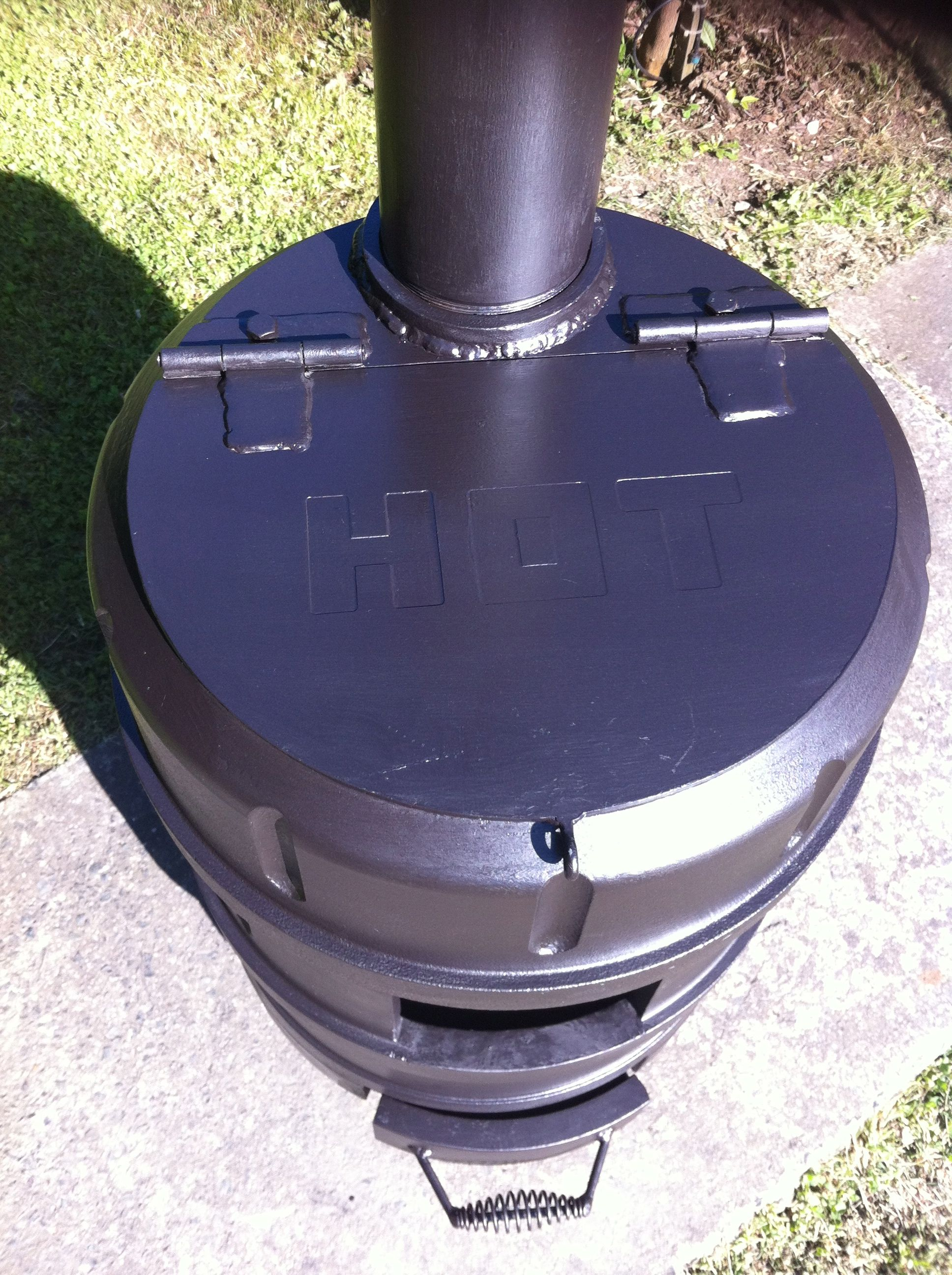 Picture of Pot Belly Stove / Outdoor Wood Heater