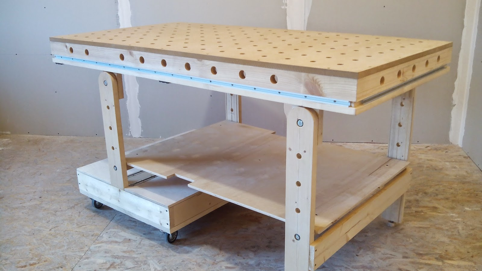 Picture of Folding Workbench and Bench Top Power Tool Organizer