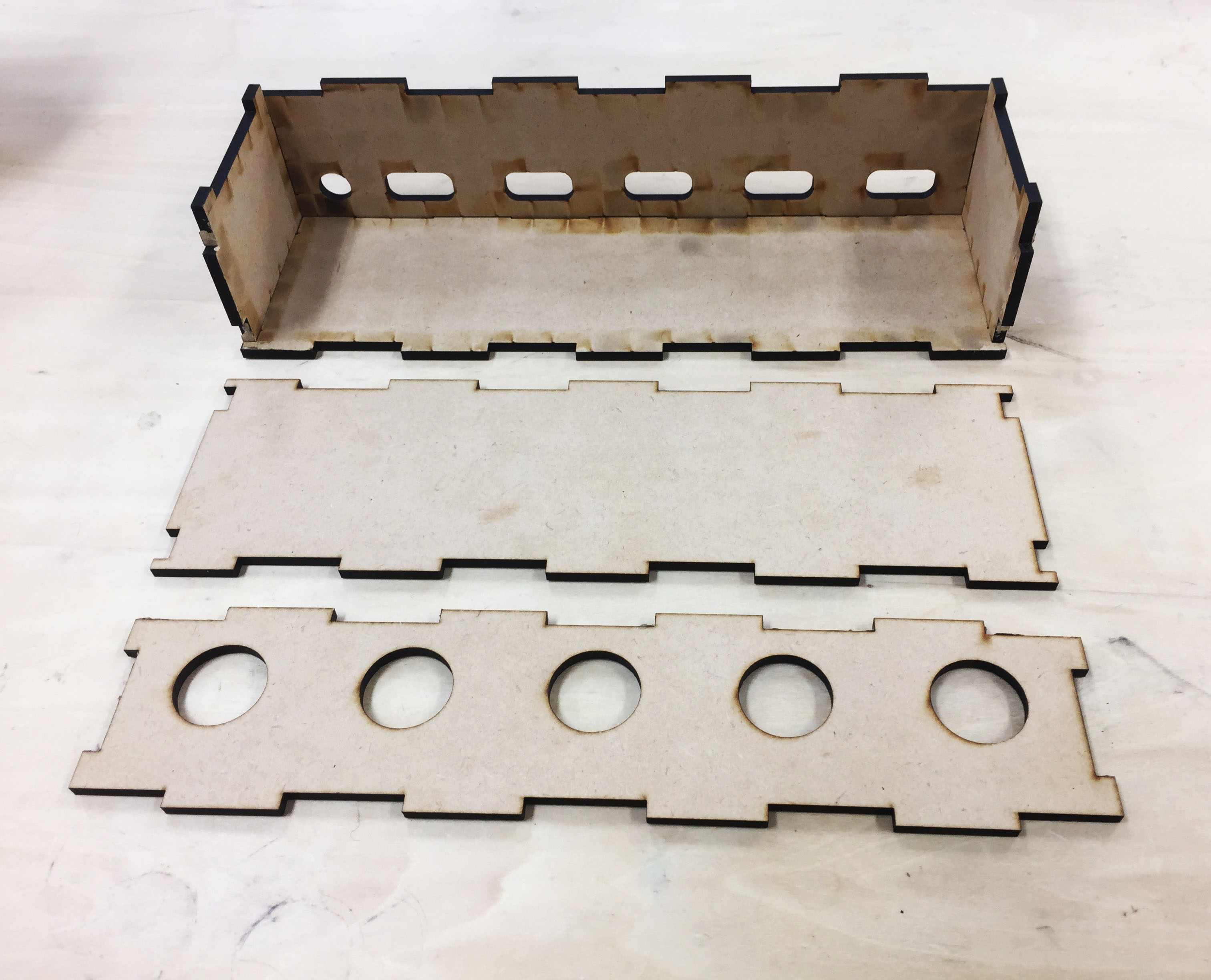 Picture of Make Arms and Container With Laser Cutter