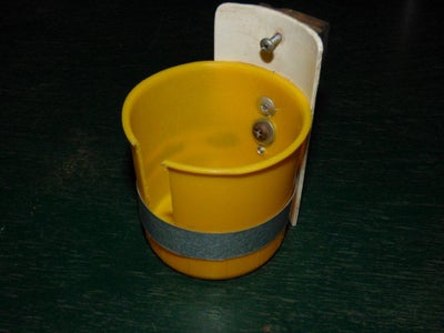 Mounting the Cup, Cup Holder