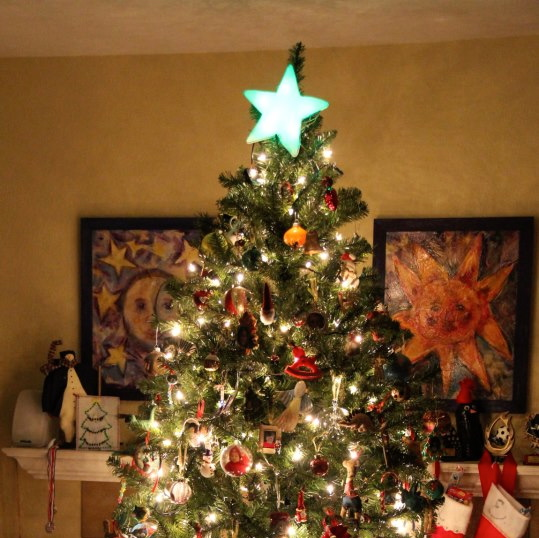 Picture of Color Changing Christmas Star