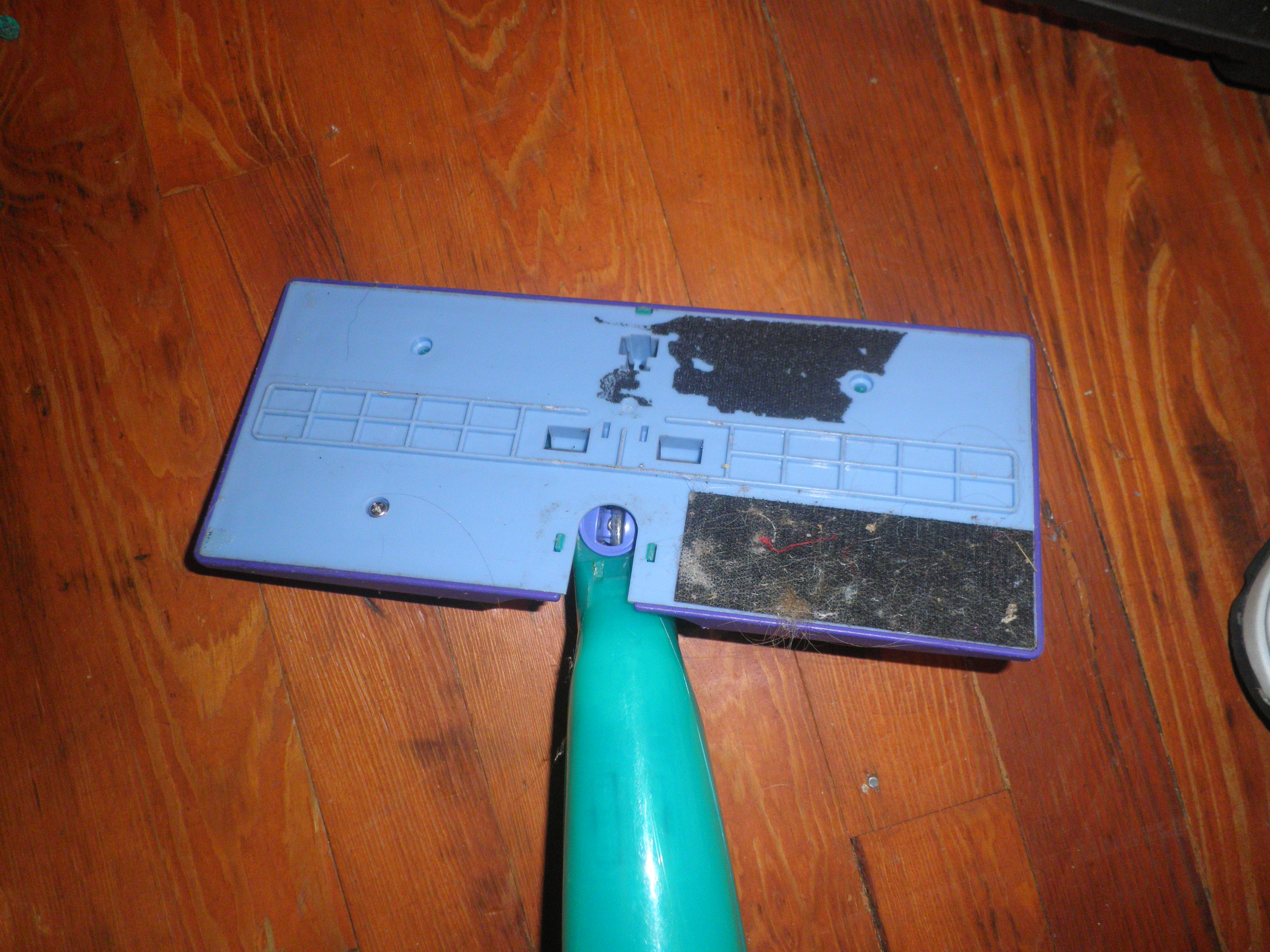 Picture of Take the Swiffer WetJet Apart