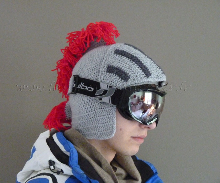 Helmet Hat: 8 Steps (with Pictures)