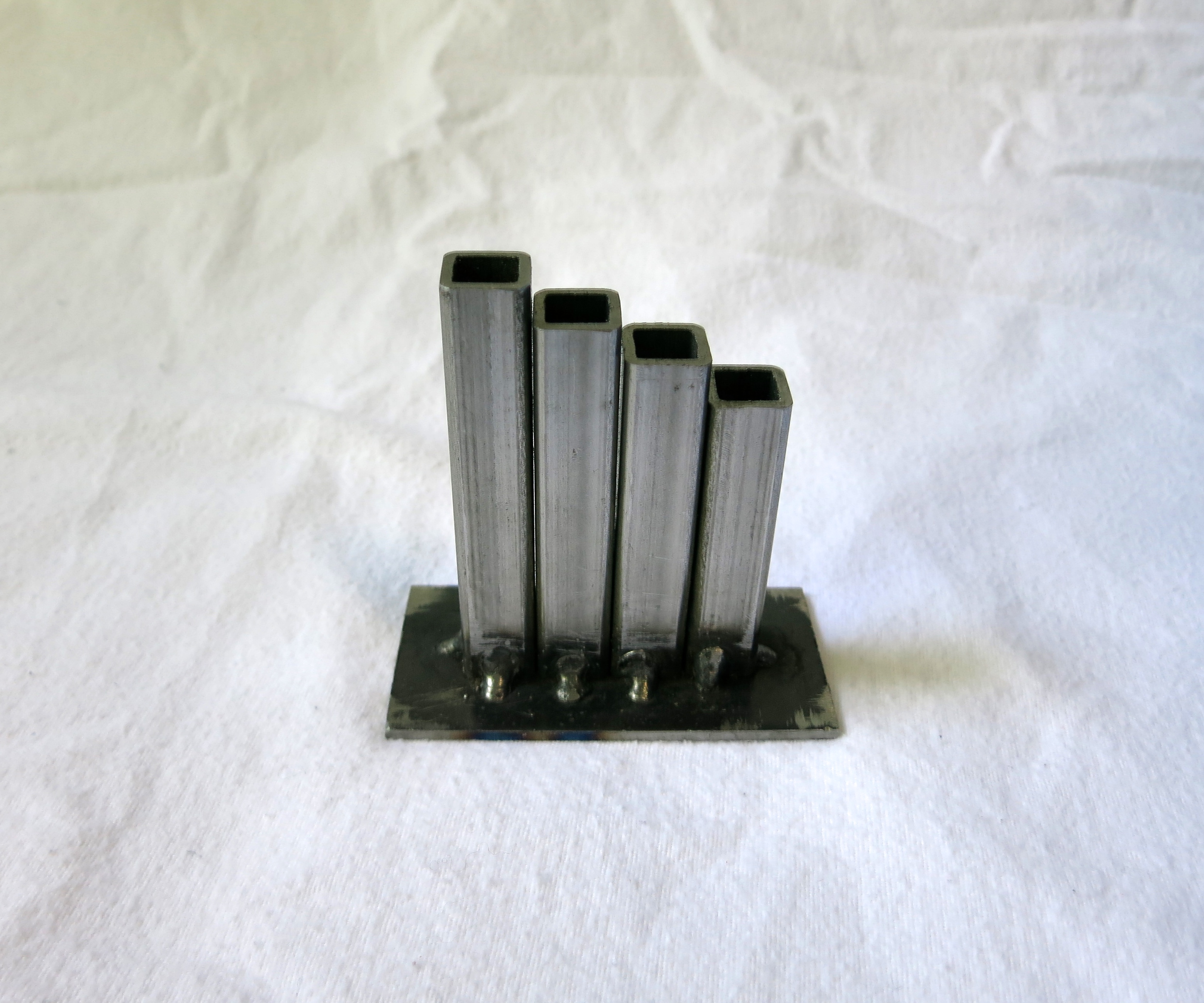 Picture of Simple Industrial Pencil Holder