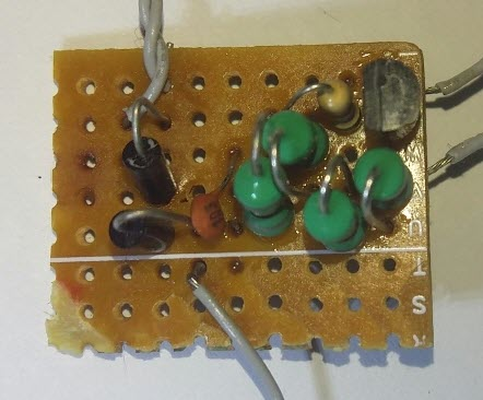 Picture of Super Efficient Joule Thief - to Light Up 24 LEDs
