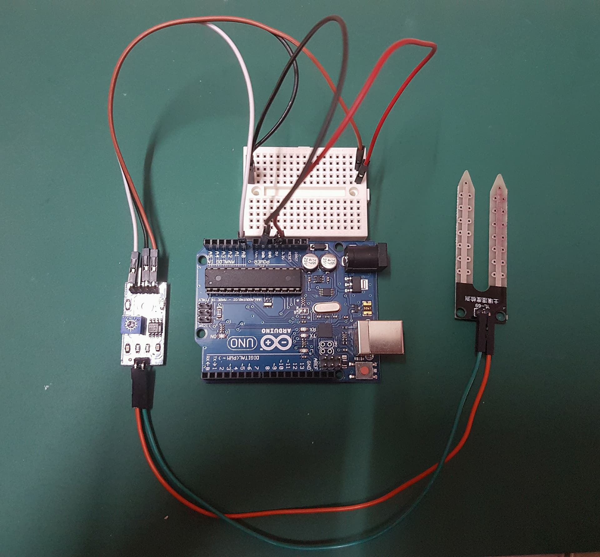 Picture of Connect the Soil Moisture Sensor to Arduino UNO