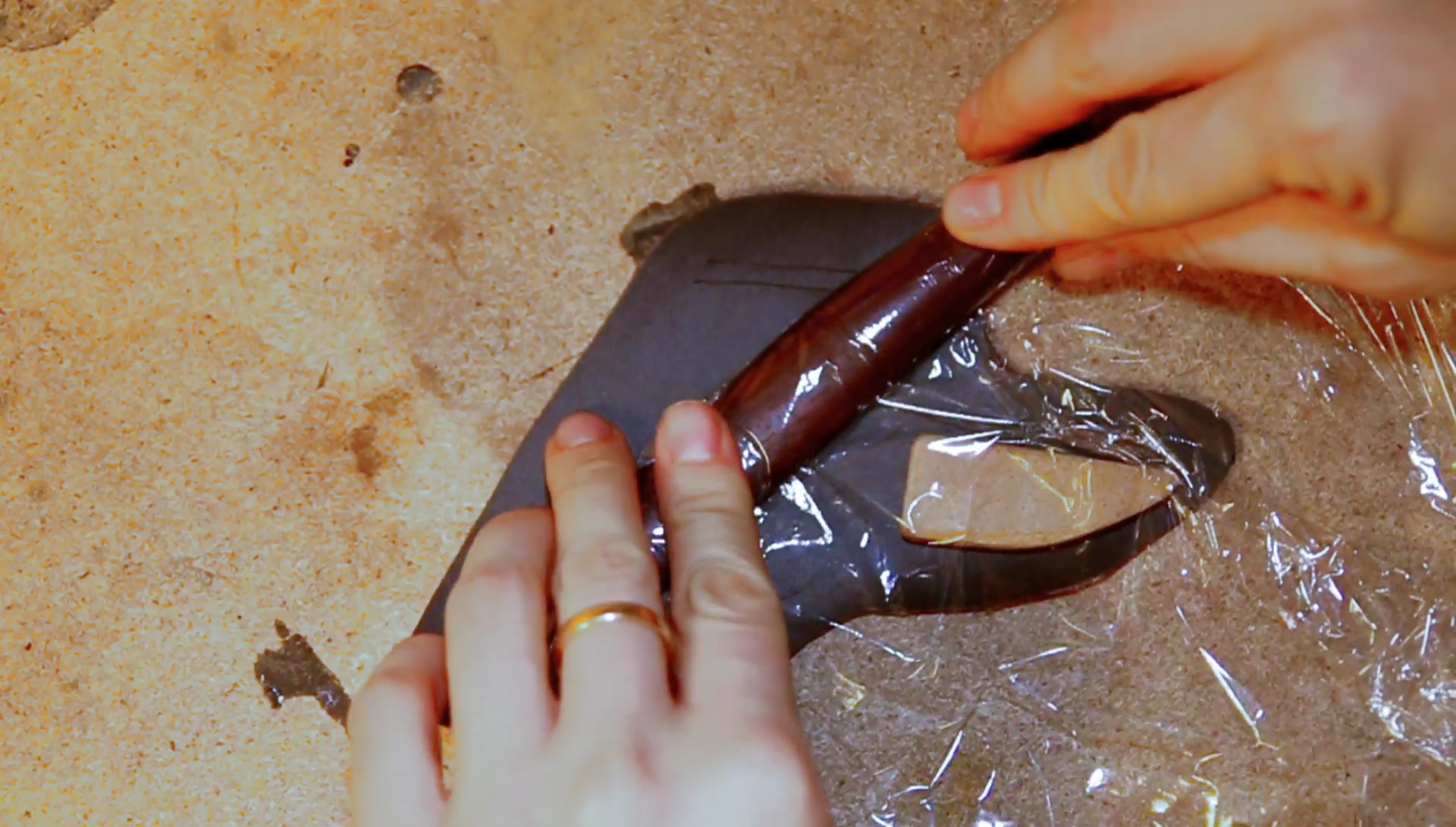 Picture of Insulating the Knife Handle