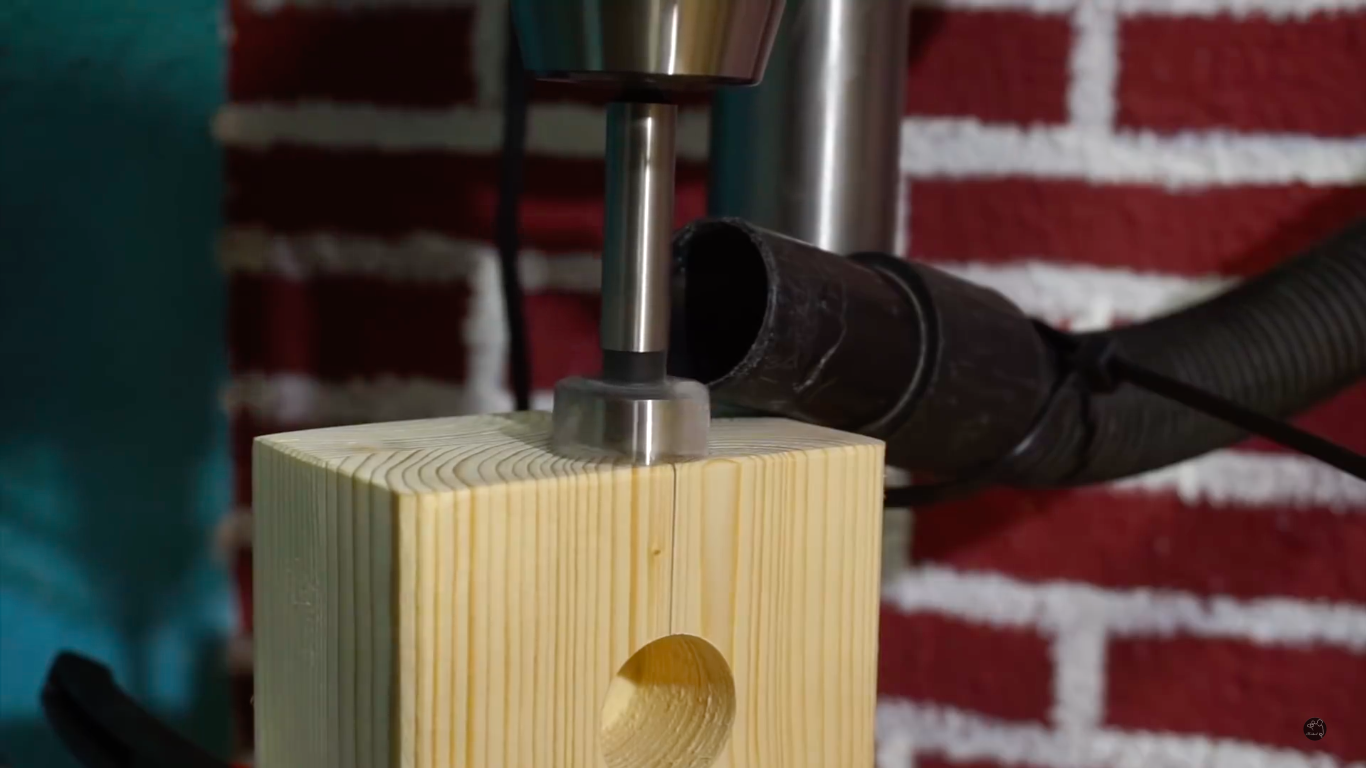 Picture of Introduction of the Angle Drill in the Headstock
