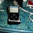 Simple but elegant Ipod/iPhone/mp3player dock.