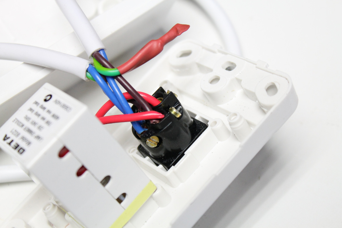 Picture of Adding the Wires to the Dimmer