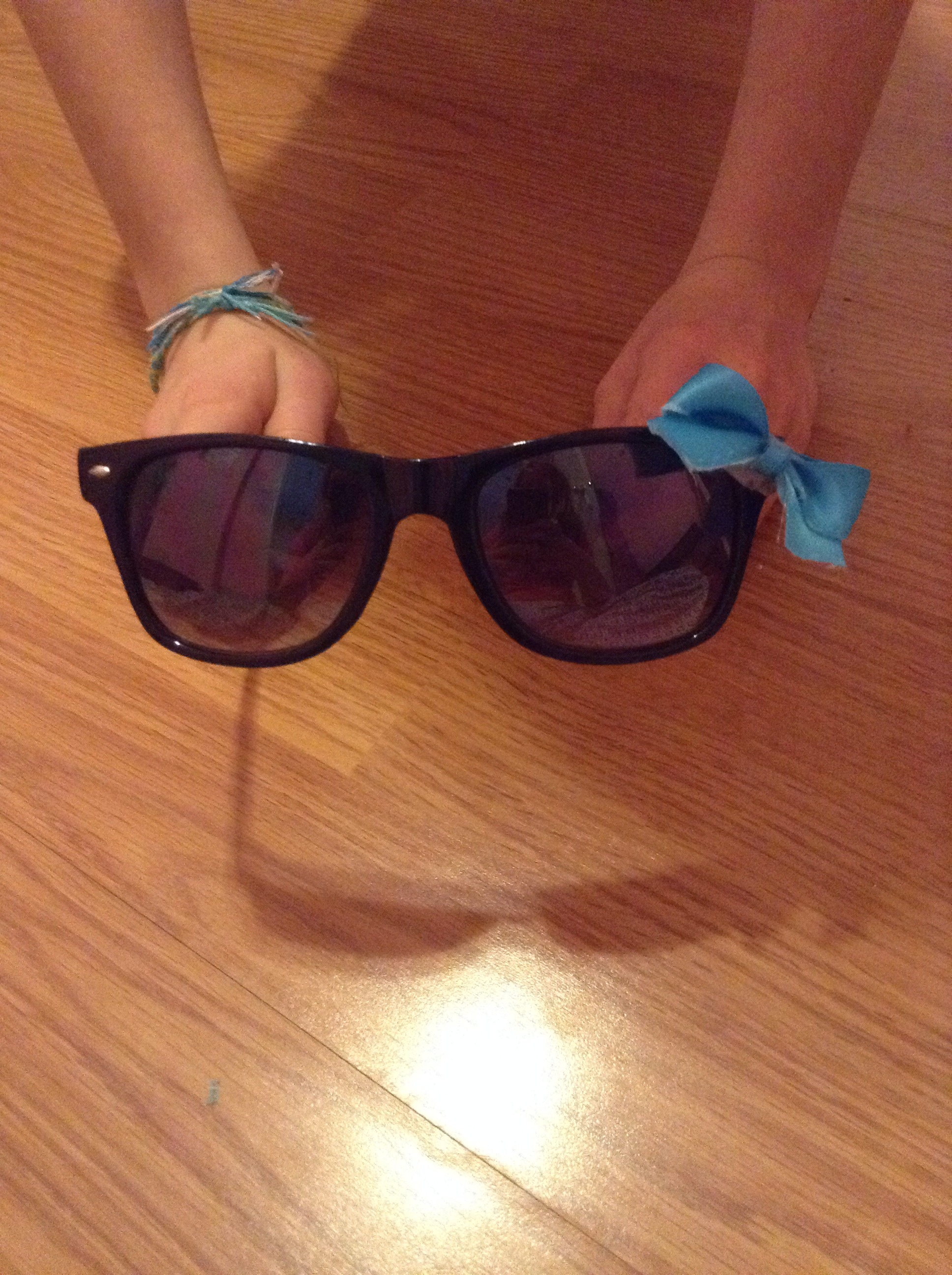 Picture of How to Style Your Sunglasses