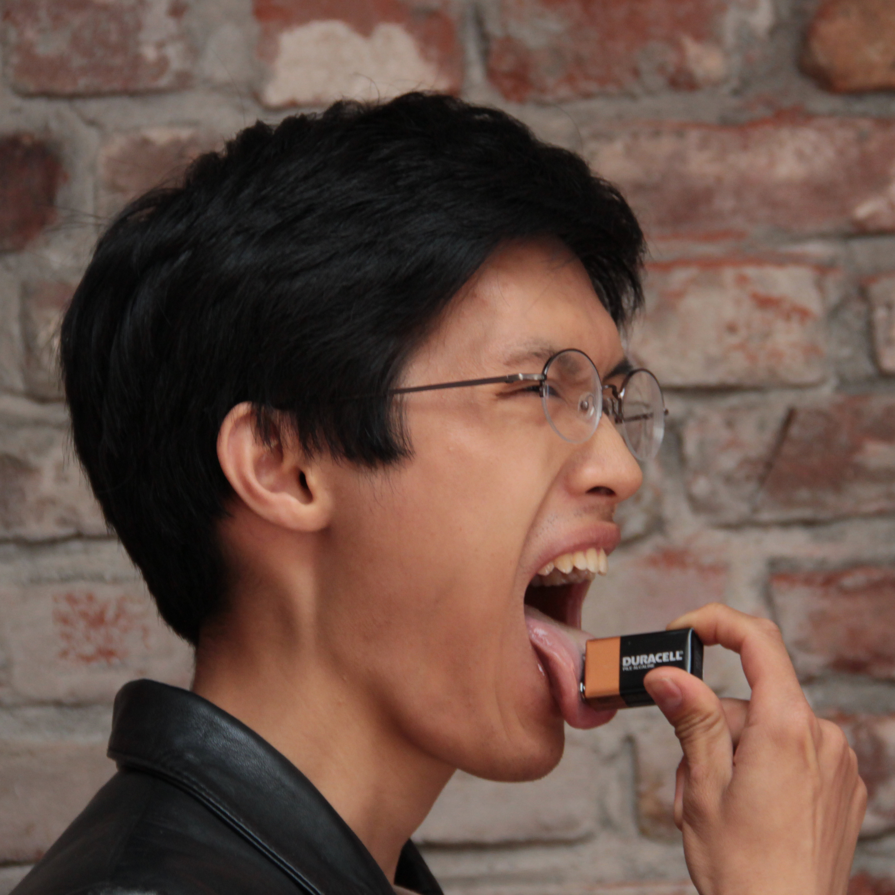Picture of Test the Strength of a 9V Battery With Your Tongue
