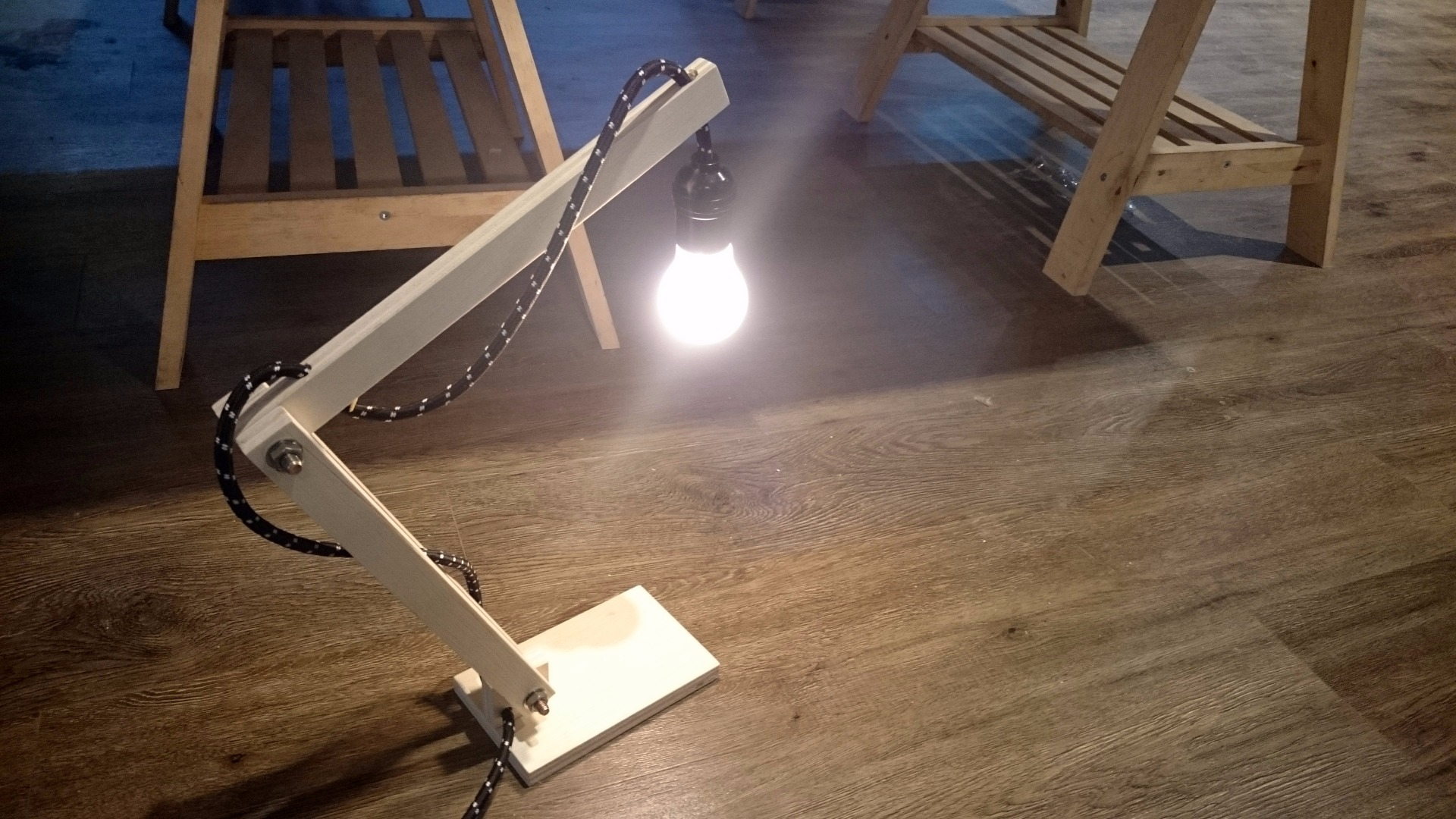 Picture of Simple Wooden Lamp