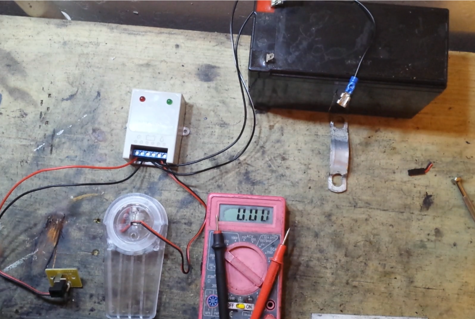 Picture of Turn a Solar Charge Controller Into Wall Powered 12v Battery Charger
