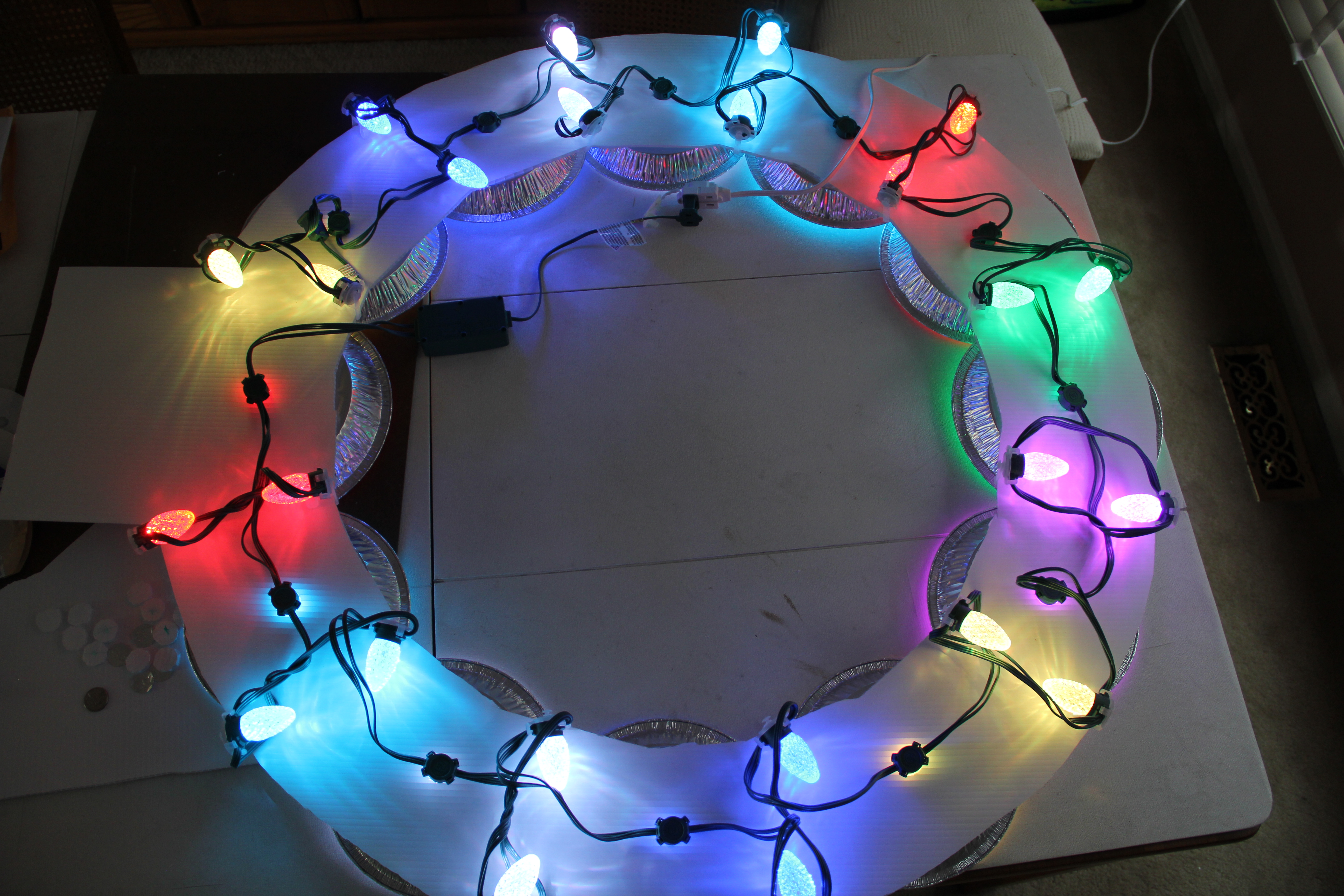 Picture of Assemble the GE Lights Into the Wreath