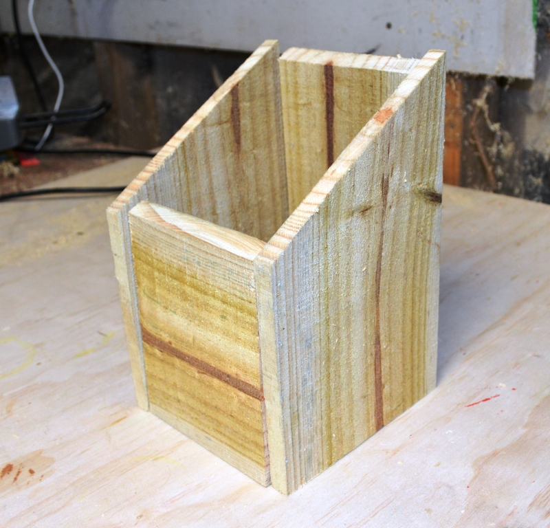 Picture of Building Your Birdhouse - Cutting