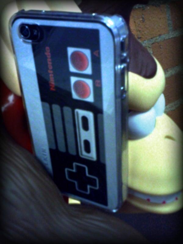 NES Controller IPhone4 Skin