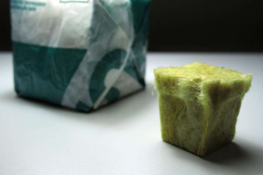 Picture of Rock Wool and Seeds