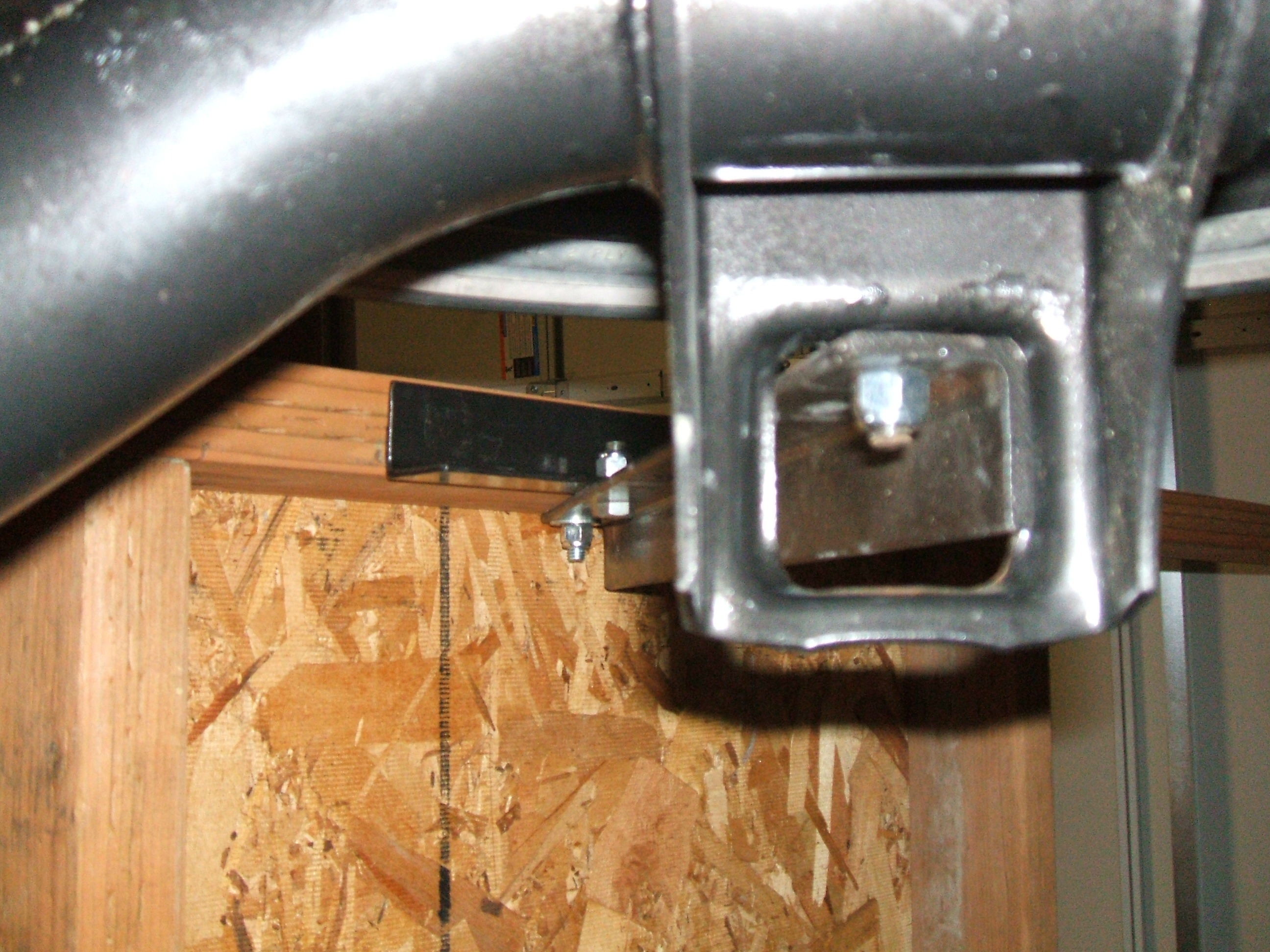 Picture of Front Support Bracket Alignment