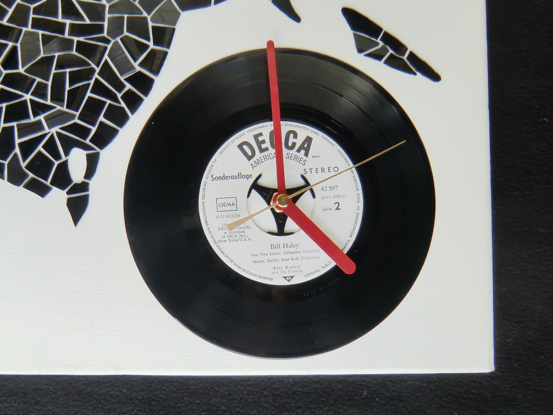 Picture of Attaching the Clockwork