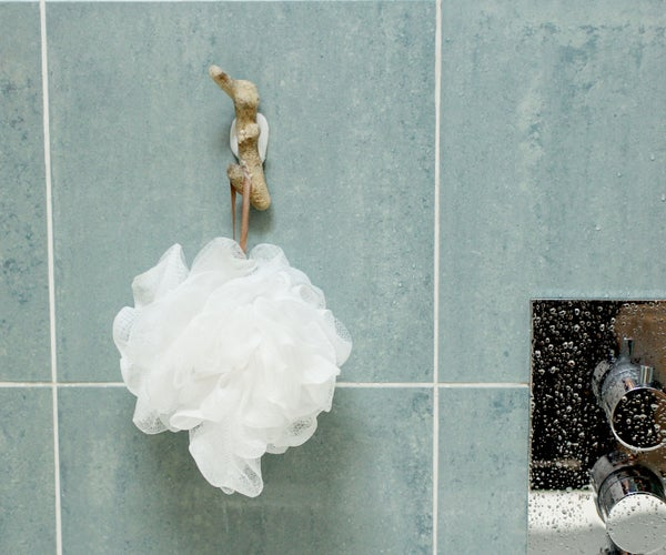 No-Drill Coral Shower Hook