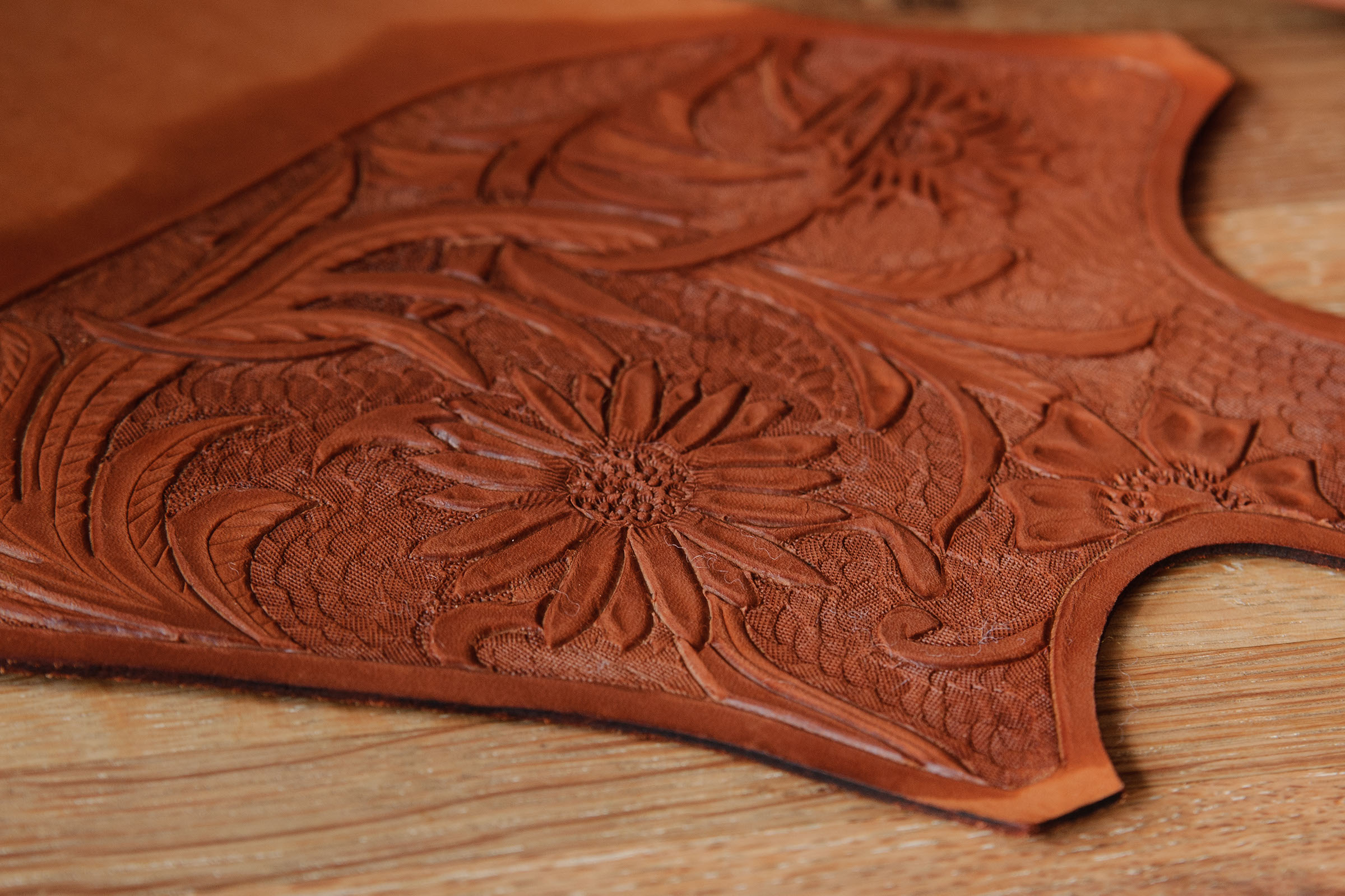 Tooling a simple leather purse steps with pictures