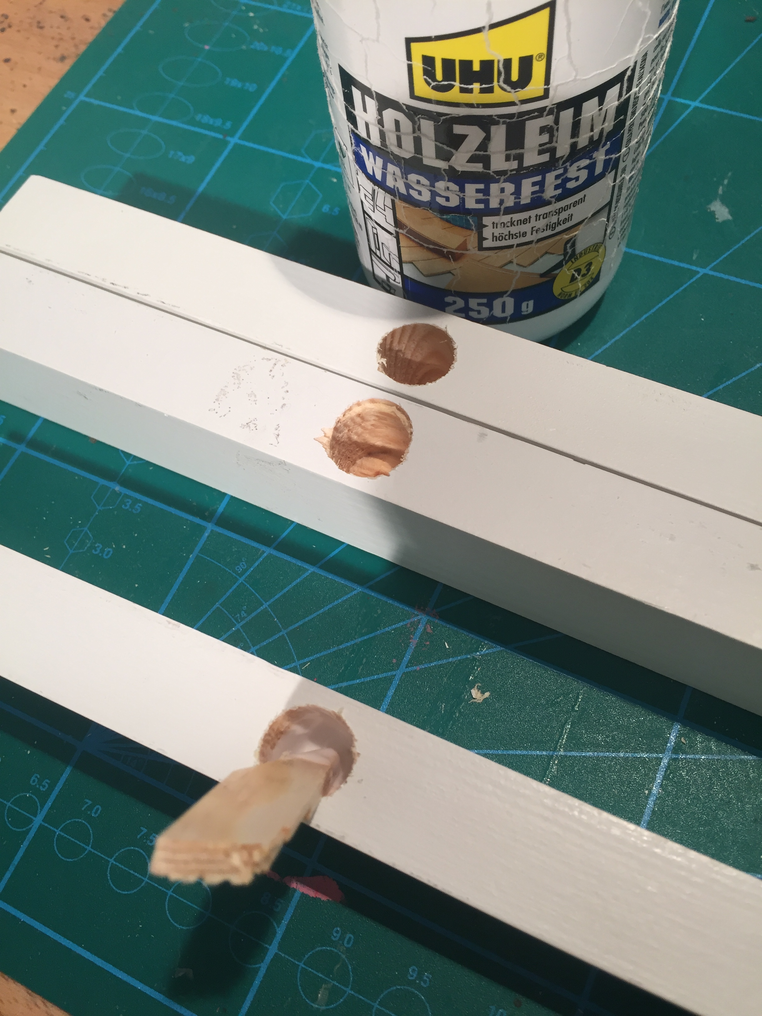 Picture of Glue Bed Rails With Side Bars