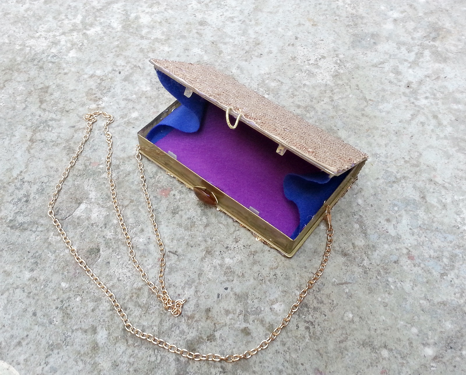 Picture of DIY Recycled Clutch Purse