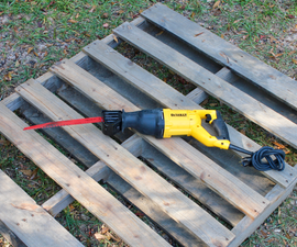 How to Take Apart a Pallet