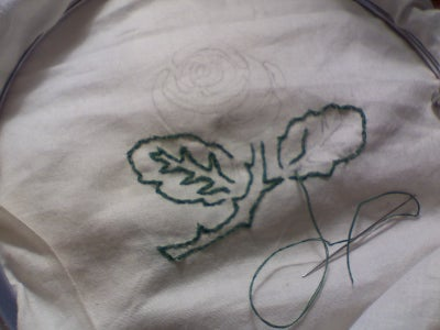 Tracing the Rose on to Your Fabric