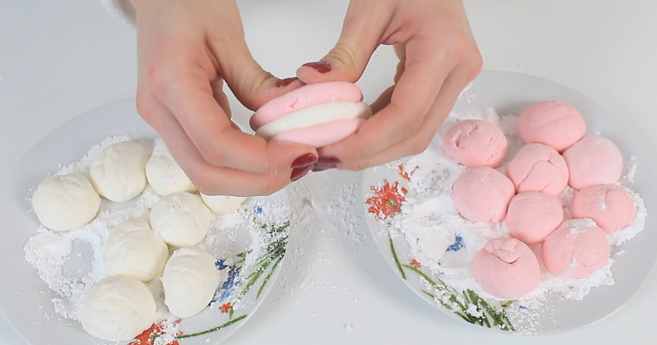 Picture of This Is a Very Easy Tutorial and If You Have a Friend to Help Make Your Play Dough From  Marshmallows Is Very Fany !!!