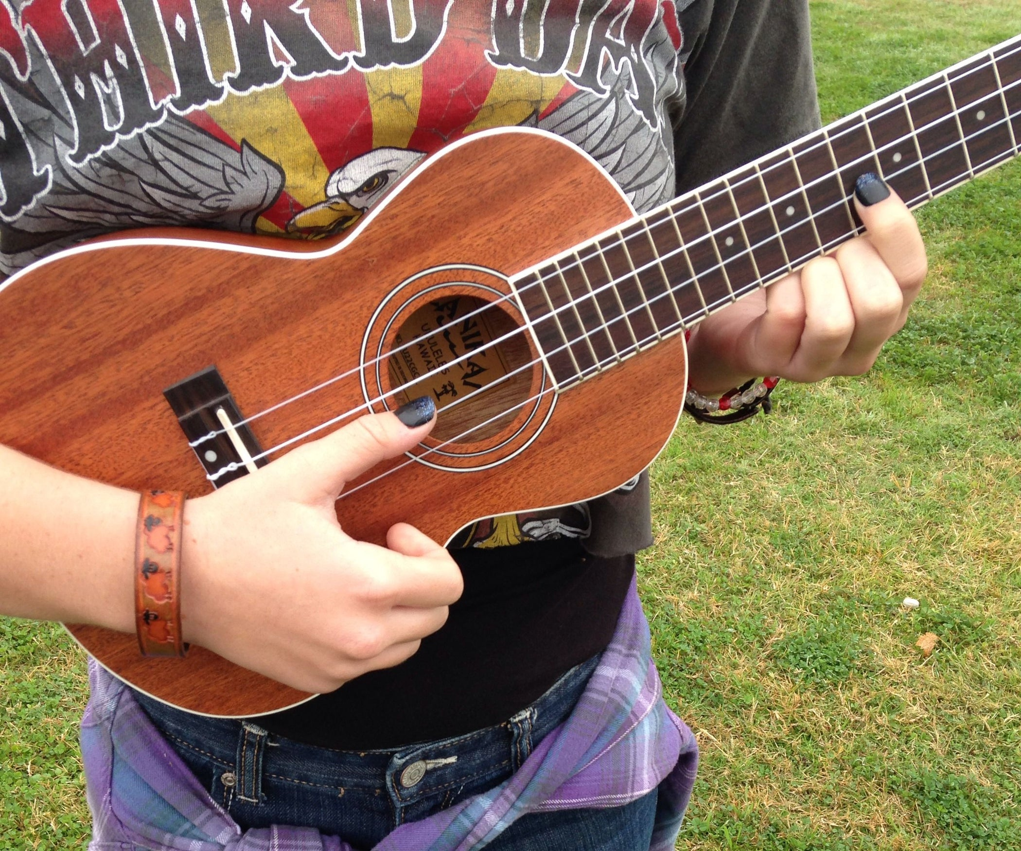 How To Play Seven Nation Army On Ukulele 4 Steps