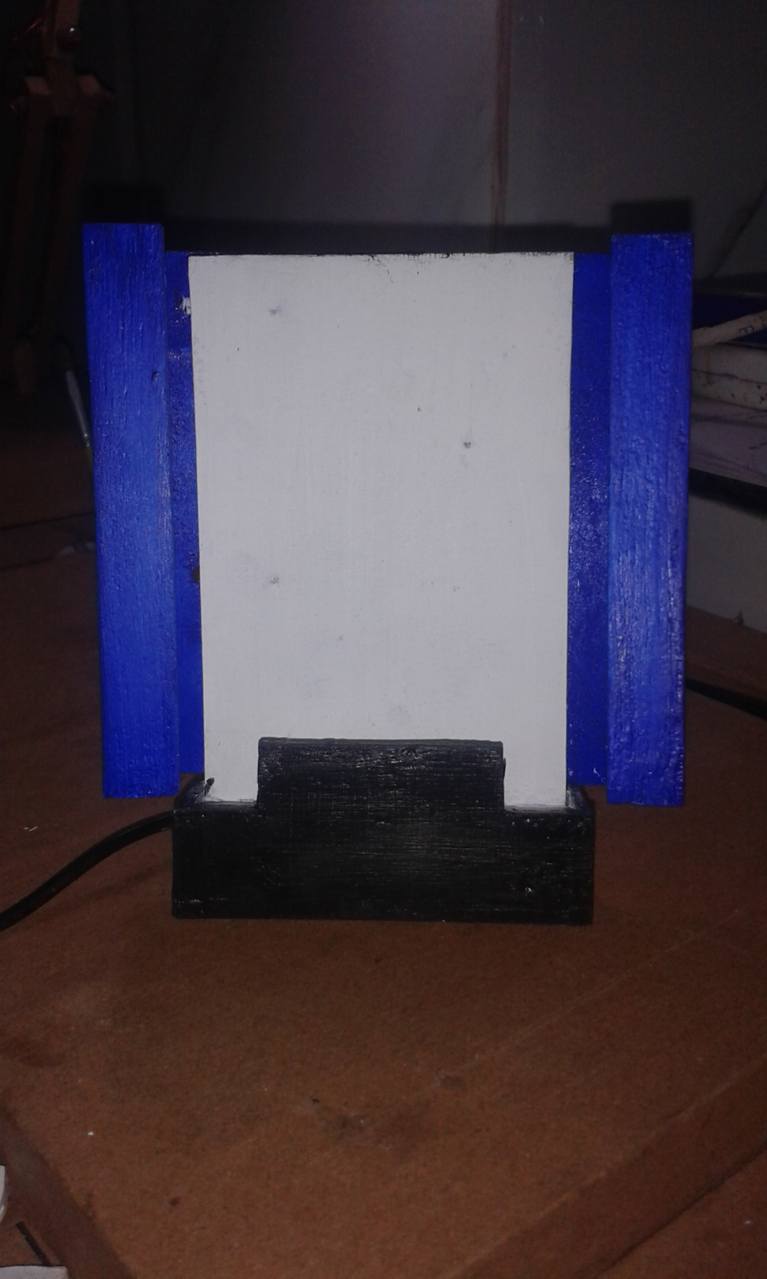Picture of DIY Simple Wireless Charging Stand