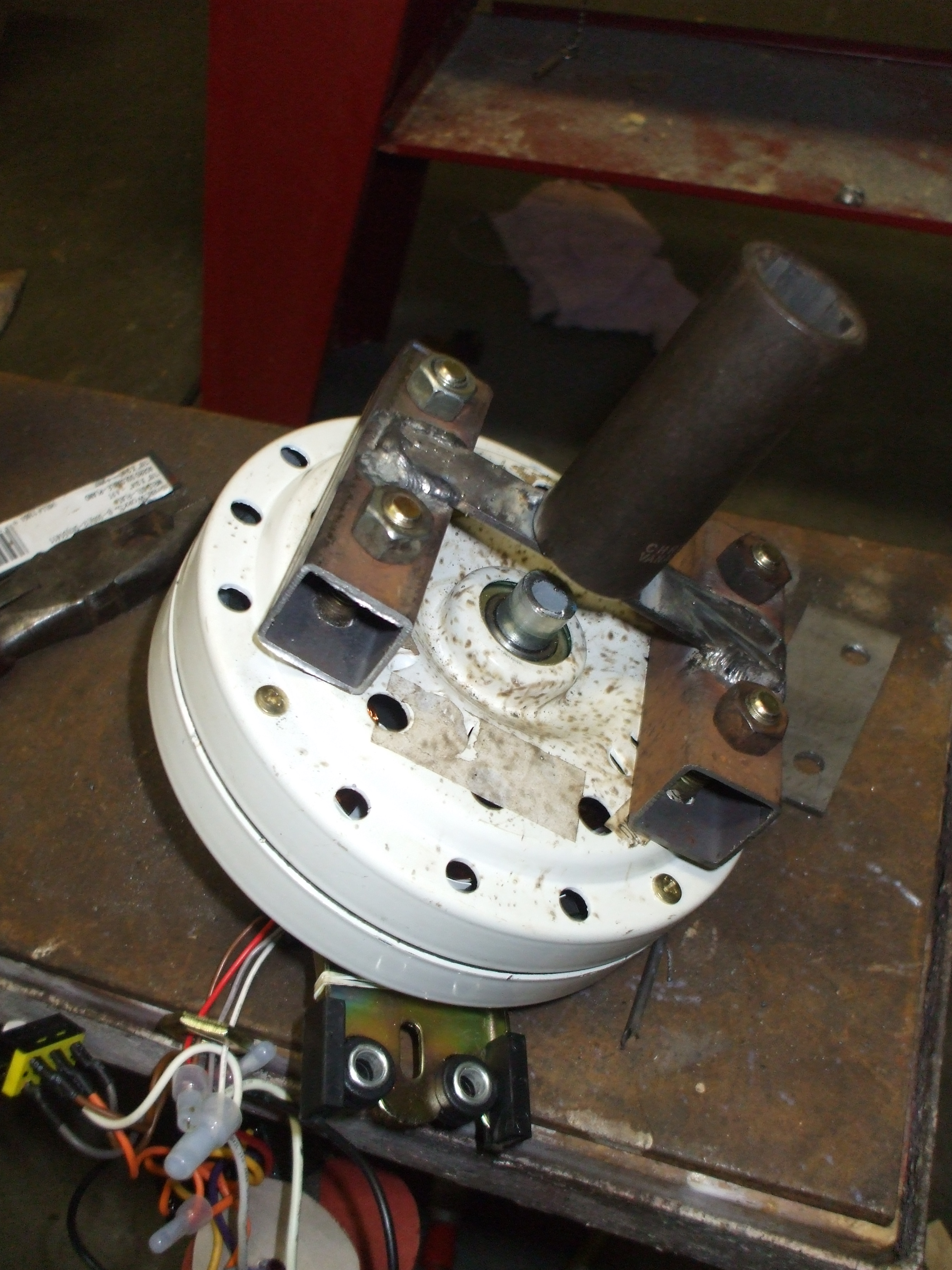 Picture of Setting Up and Installing the Drive Motor