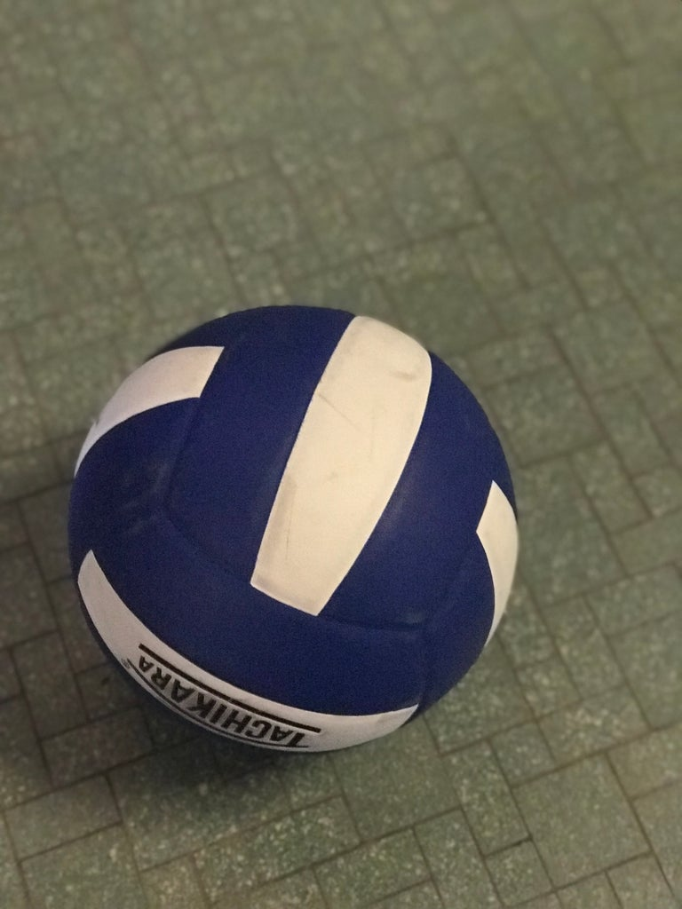 How To Do A Roll Dive In Volleyball For Experienced Players 10 Steps Instructables