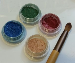 Working With Loose Eyeshadow/ Pigments