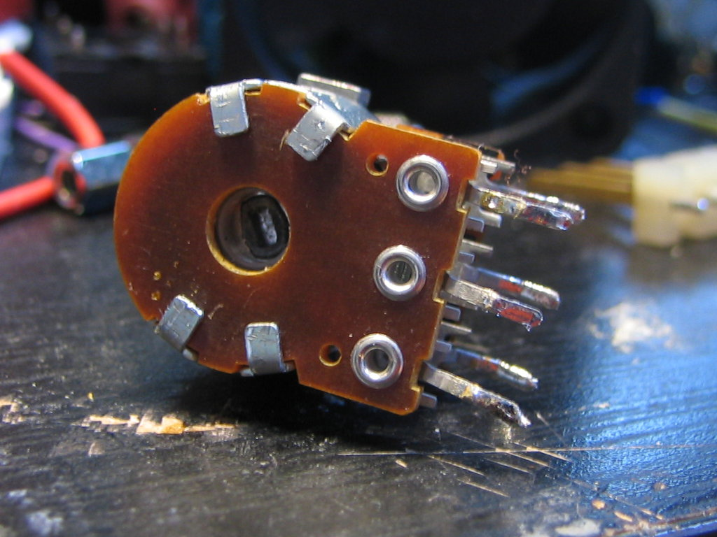 Picture of Open the Potentiometer Back Cover