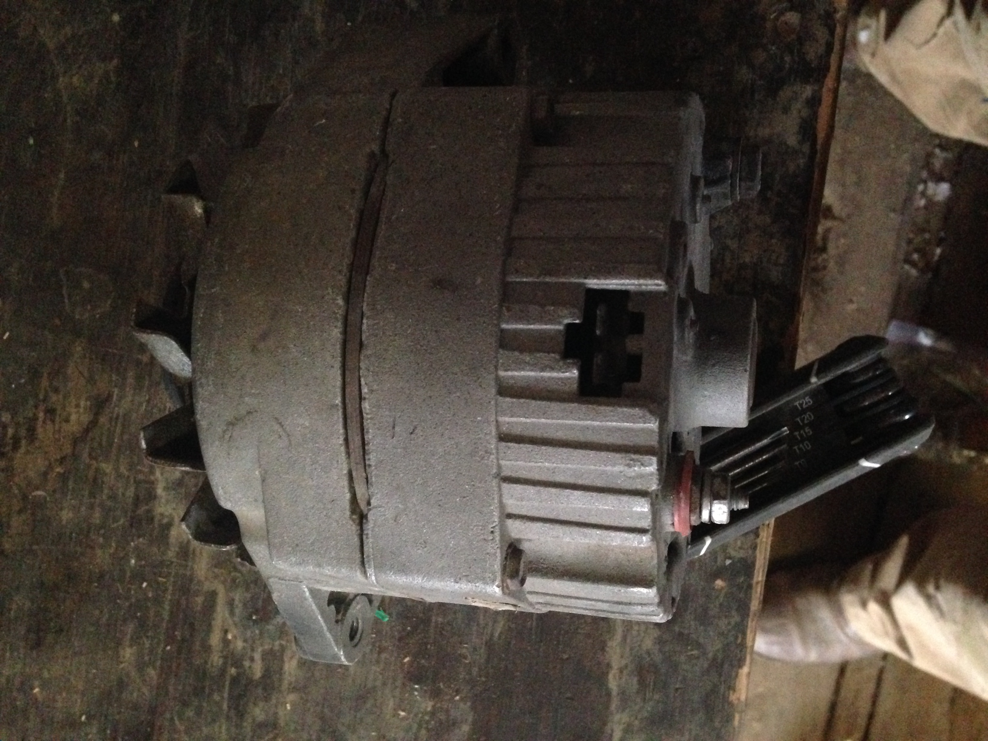 Picture of can you help me identify this alternator?